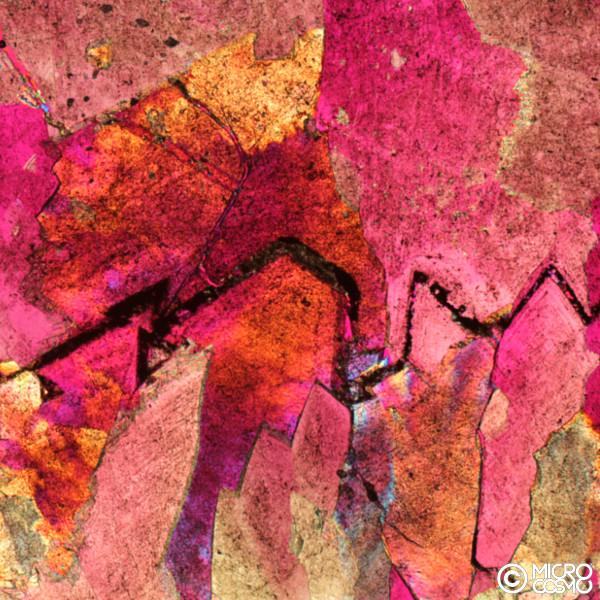 paesaggio microscopico di cristalli di dolomite
