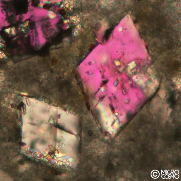 cristalli romboedrici di dolomite